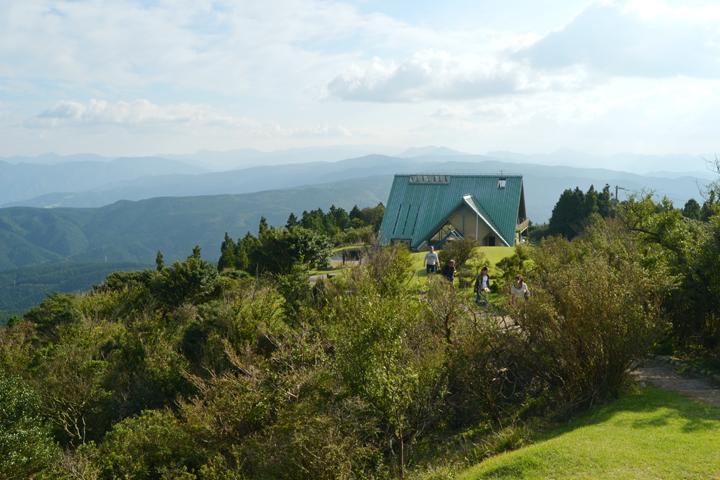 青山高原をトレッキング